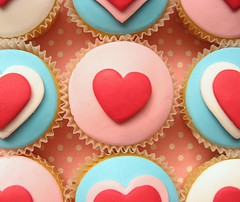 valentines day cupcakes | by hello naomi