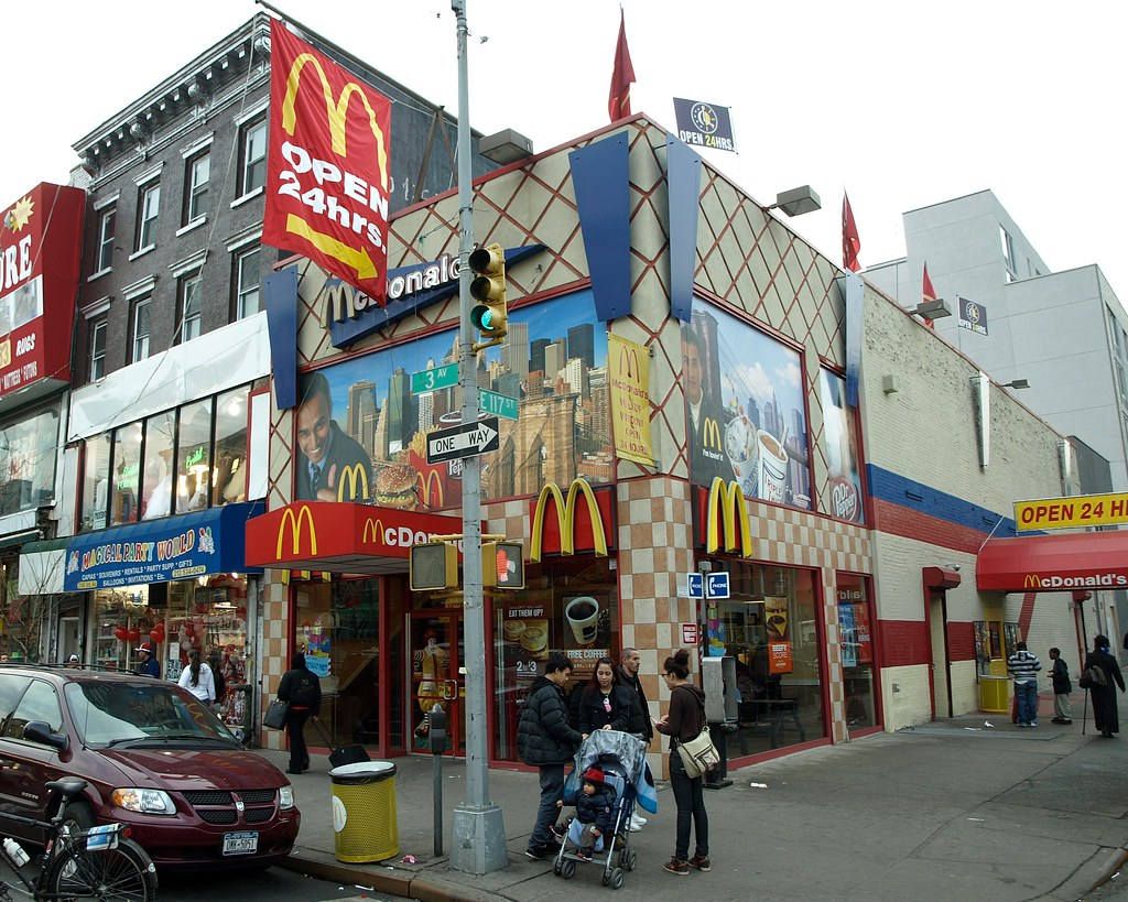 East Harlem Mcdonald S New York City Third Avenue At
