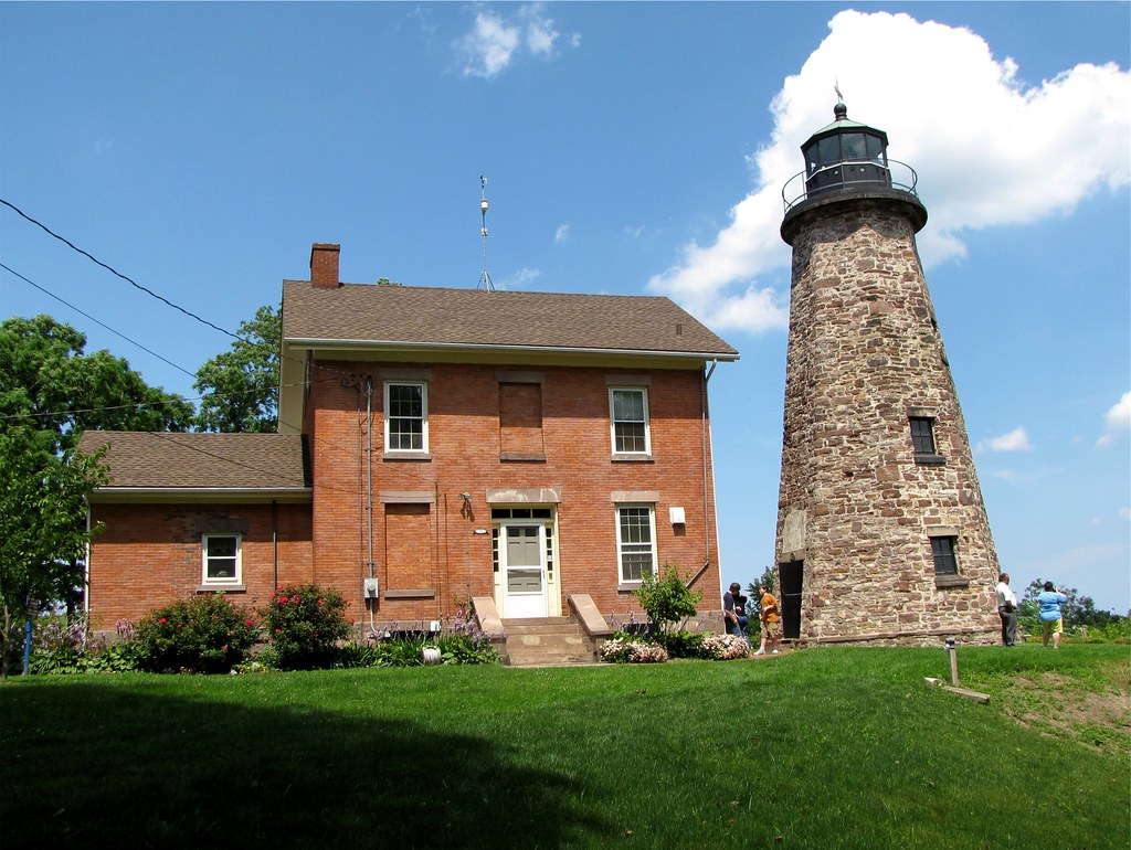 Charlotte Genesee Lighthouse: Charlotte-Genesee Lighthouse, Rochester, New York (NY