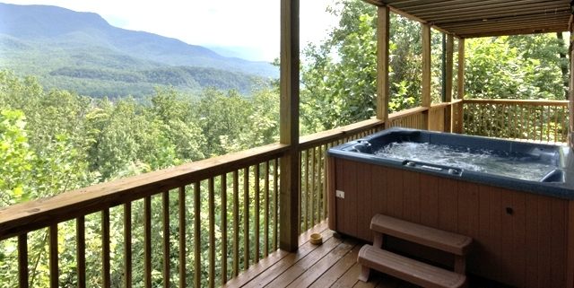 Hot tub on the deck this large gatlinburg cabin rental i for Cabin in gatlinburg with hot tub