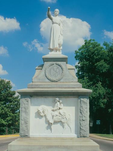 Gadsden Emma Sansom Monument Flickr Photo Sharing