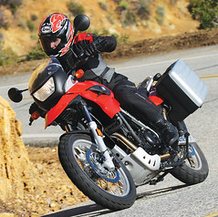 Motorcycle-Test-2009-BMW-G650GS-Tuttle-01