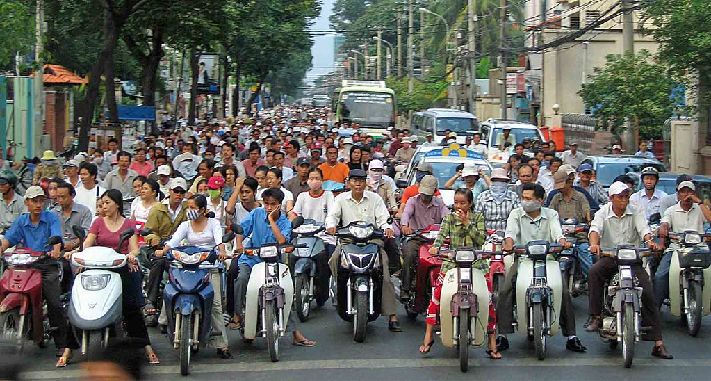 traffic jam in vietnam Related news in hanoi, ambulances struggle to get through paralyzing traffic jams vietnam mulls scrapping road use fee on motorbikes amid poor revenues.