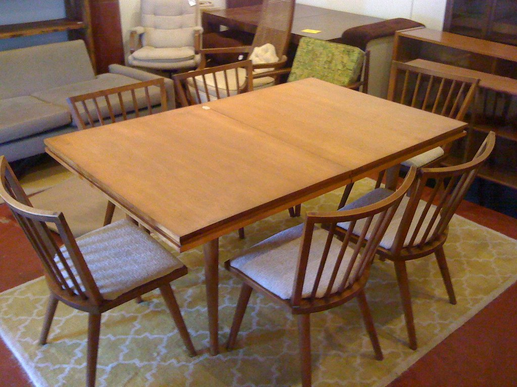 New Conant Ball Dining Room Table And Chairs