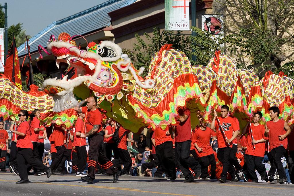 Dragon - Golden Dragon Parade 2009 Los Angeles   This was ...