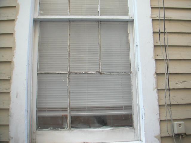 Wood Mullions For Windows : Wood window missing mullion had rotten through