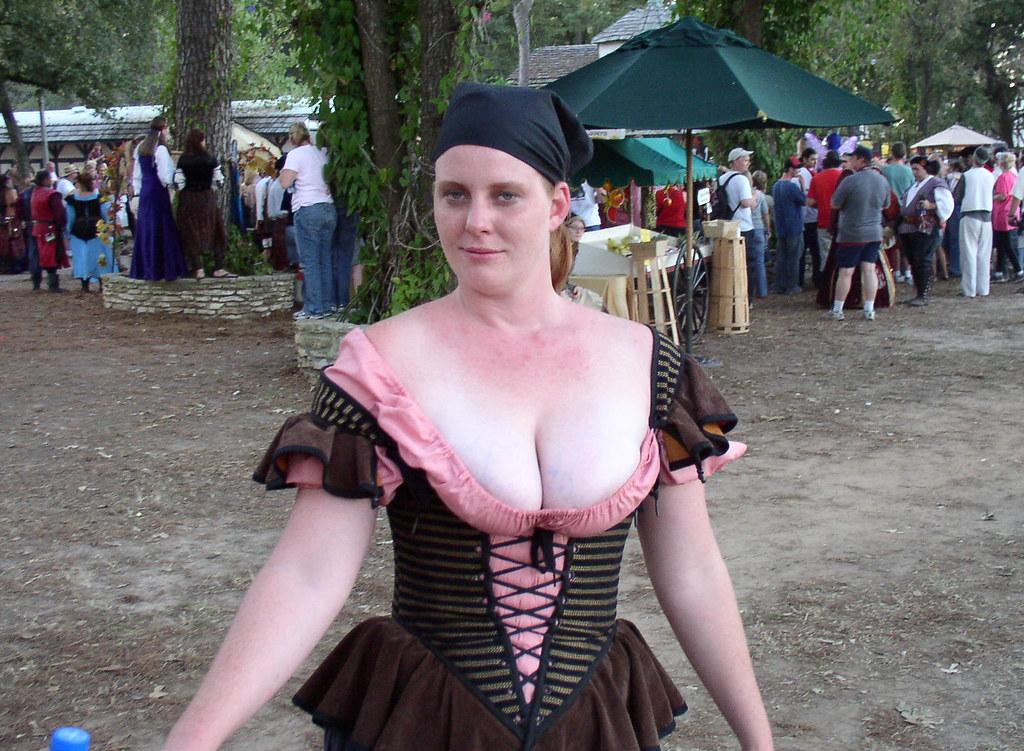 renaissance girls bare boobs