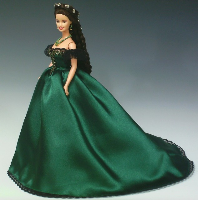 Sissi Barbie in green ball gown | The "|633|640|?|f8729353be5d258ee1a770d99f4dccc1|False|UNLIKELY|0.36348745226860046