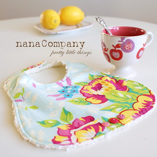 pretty baby bib | by nanaCompany