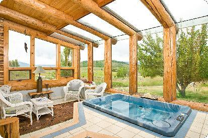 Bar Y Sunroom | With a 4-person jacuzzi! | Jackson Lodging ...