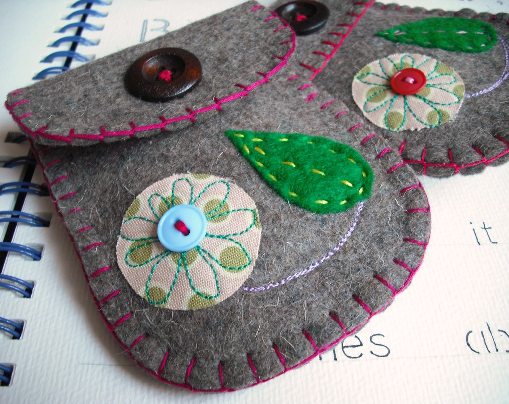 wool felt crafts ideas leaf and flower pouch sue bithell flickr 5786