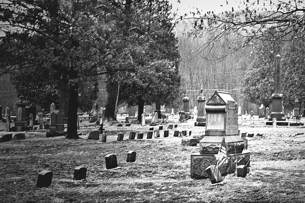 Susquehanna Cemetery Black and White | An old cemetary ...