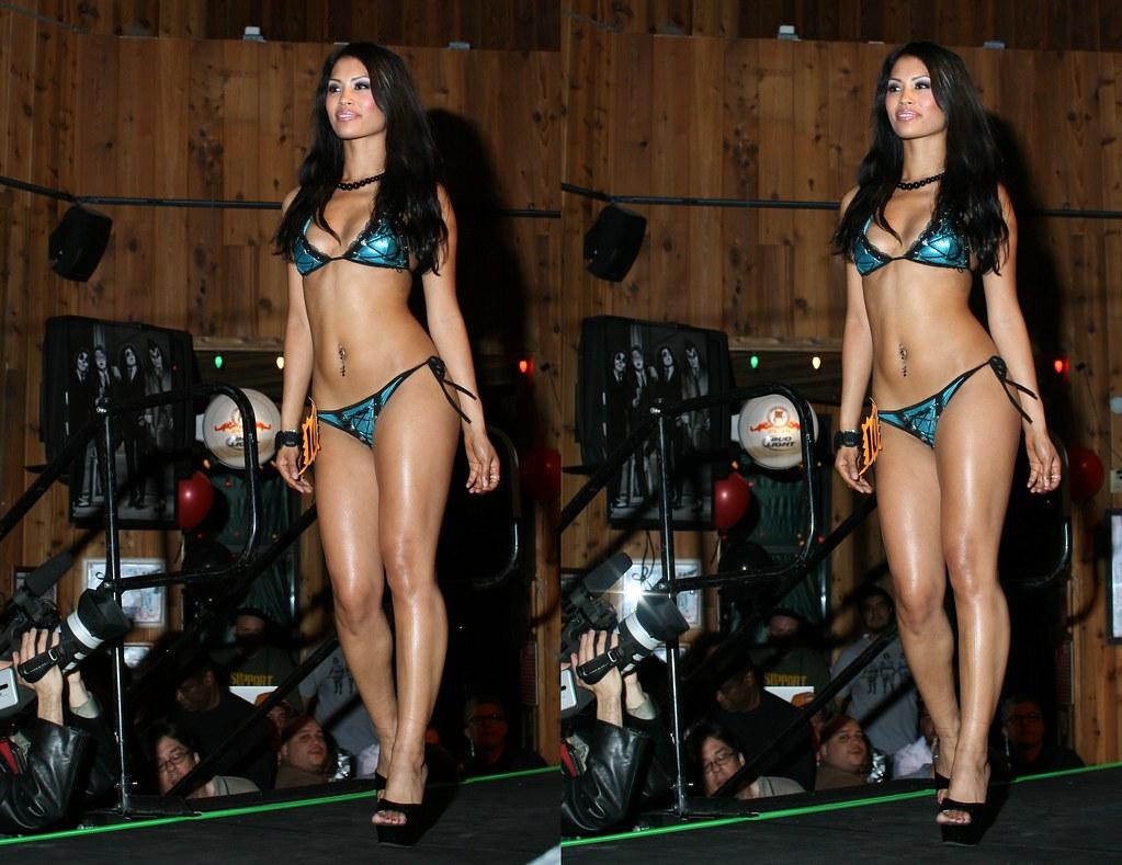 Hooters latests bikini contests