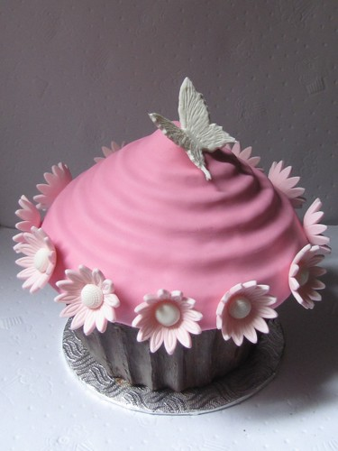 Giant Cup Cake Decoration