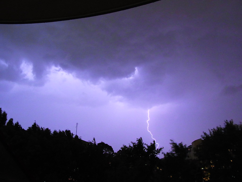 My Blog Verwandt Mit Lightning: Read About This Photo On My Blog.