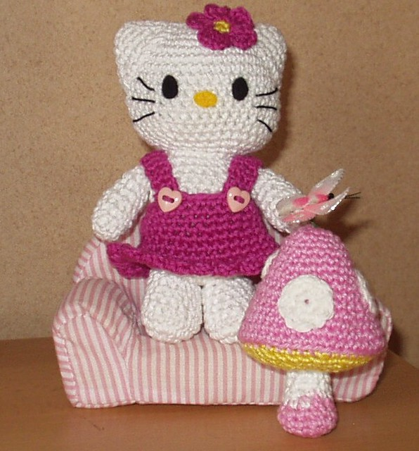 Hello Kitty Amigurumi With Mushroom Ulla Regulski Flickr