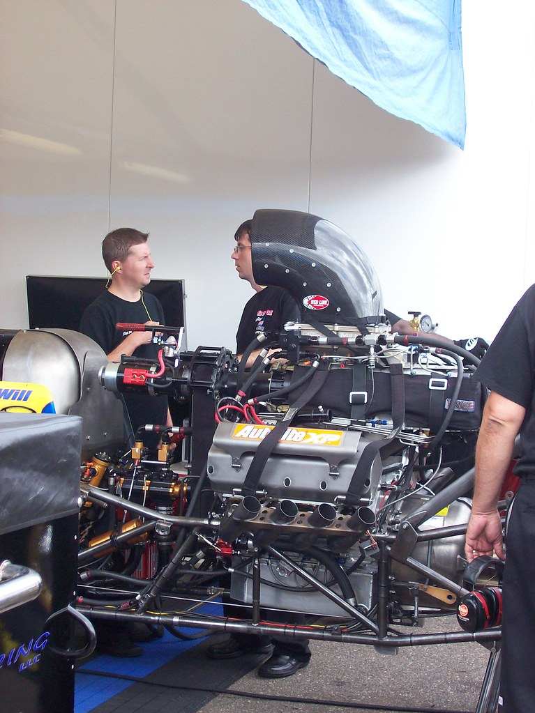 how to drive a top fuel dragster