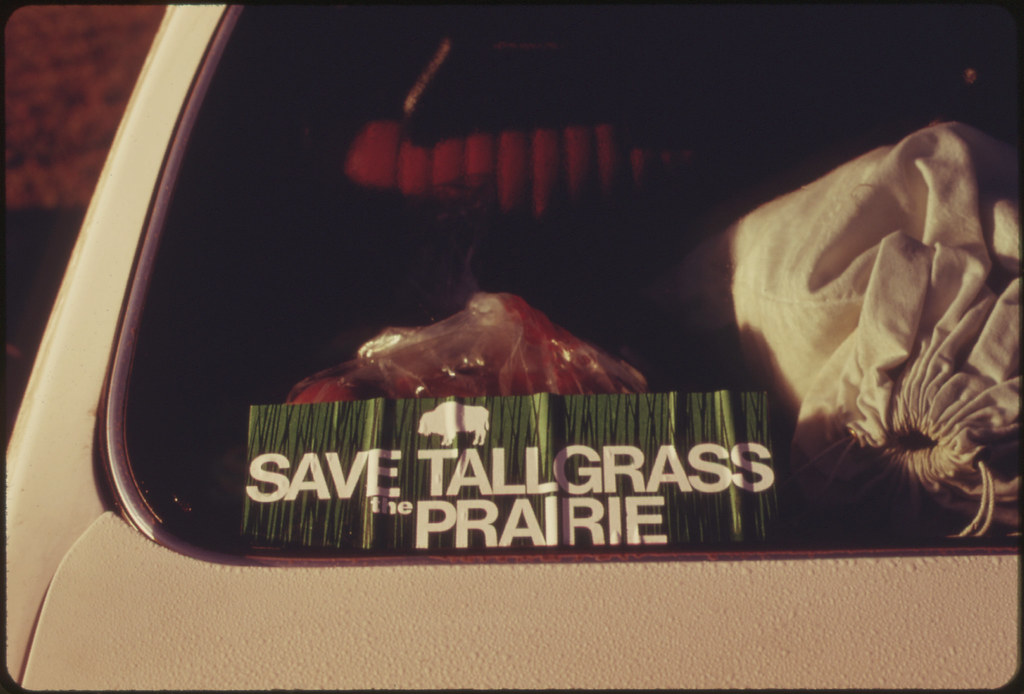 Rear Window Of A Car Shows A Save The Tallgrass Prairie Flickr