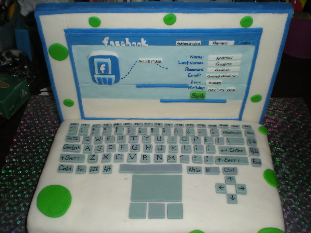 Laptop Facebook Cake SmyleyBearS Flickr
