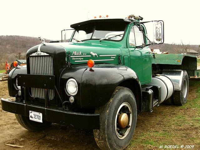 B 61 Mack Thermodyne : Mack b thermodyne diesel year unknown seen while on