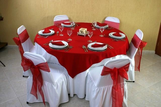 Montaje 21 mesa redonda mantel redondo color blanco for Sillas para 3d max