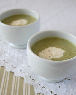 Lemon and broccolini soup / Sopa de brócolis e limão siciliano | by Patricia Scarpin