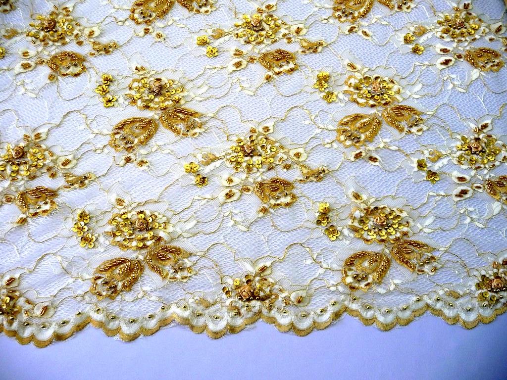Mparr000489 encaje chantilly rebordado ech05855 oro x flickr - Chantilly telas ...