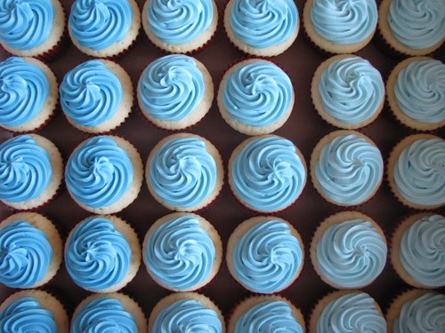 Blue Wedding Cupcakes Vanilla wedding cupcakes topped ...
