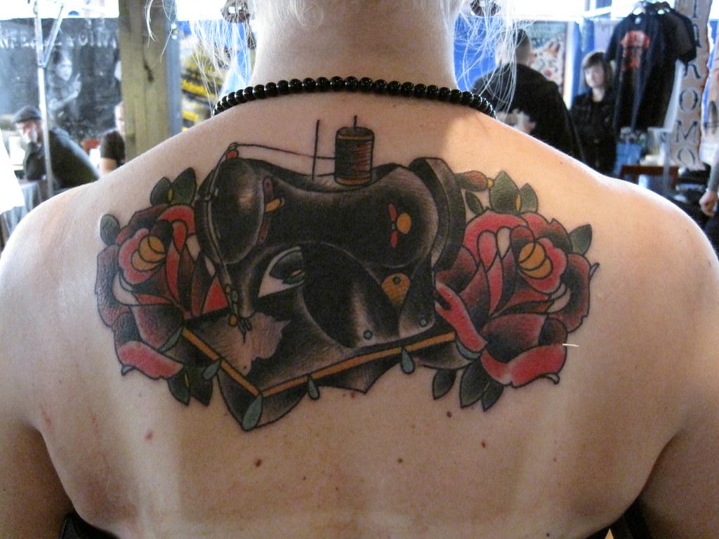 Selkä Tatuointi