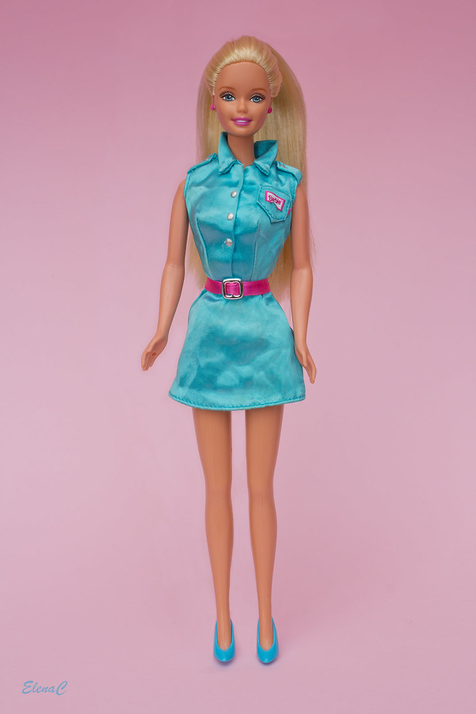 barbie s success It earns billions of dollars annually with business interests that do not only include toys barbie also has video cds, movie titles, computer games, clothes, shoes, accessories and bags jeremy, low what makes barbies so successful.