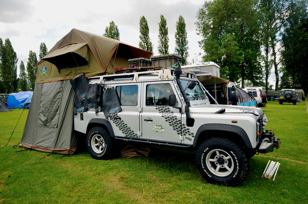 White Land Rover >> 110 with Howling Moon Roof tent | andy carter | Flickr
