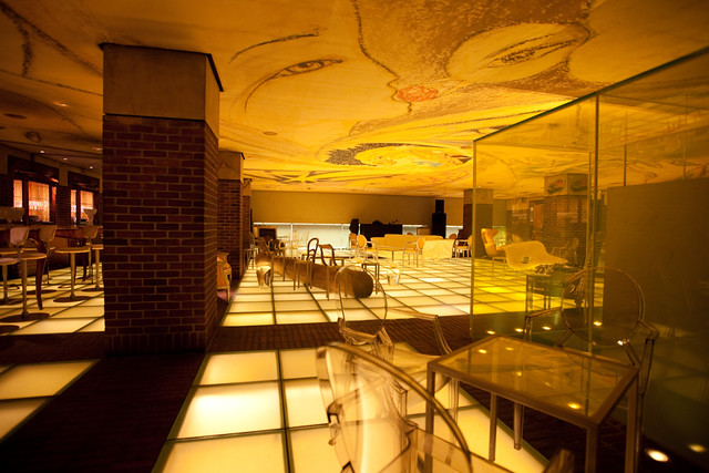 Urban design bar at hudson hotel fresco by world famous p