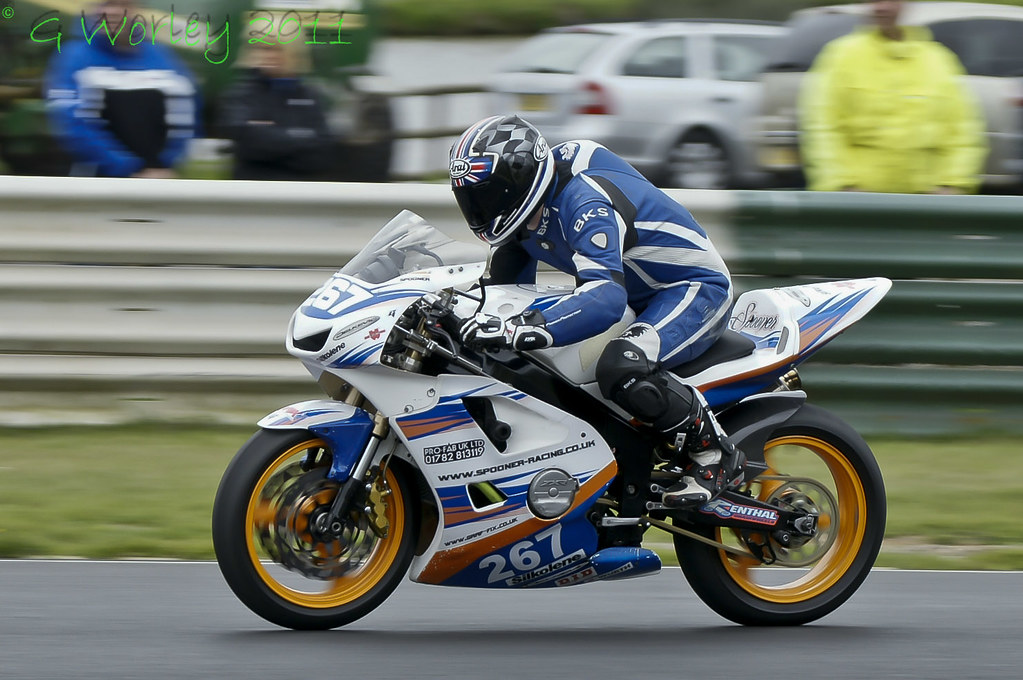Mallory Park Round 3 May 2011 _DSC2745 © G Worley 2011 ...