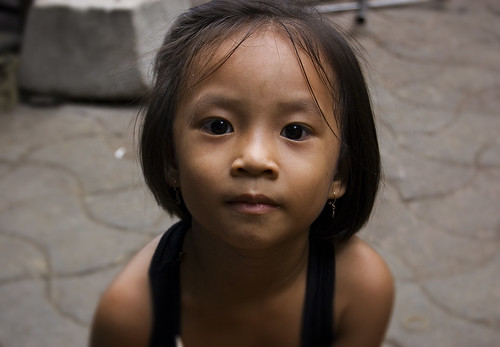 Little Girl - Phnom Penh, Cambodia | Flickr - Photo Sharing!: https://www.flickr.com/photos/ethancrowley/3384364943/