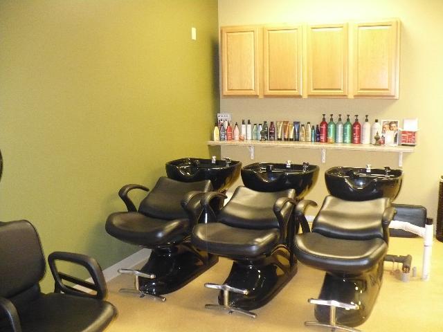 Beauty salon interior design hair salon backwash area - Interior hair salon lighting ideas ...