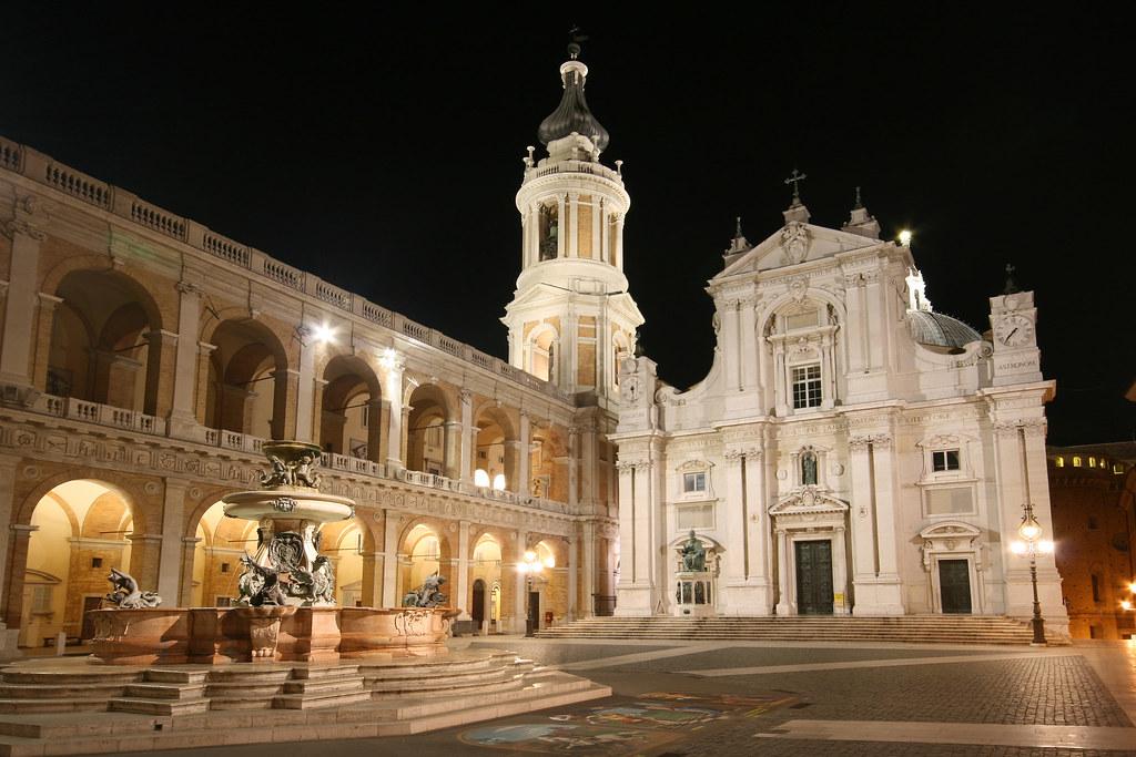 Basilica della santa casa loreto insieme monumentale for Insieme del programma della casa