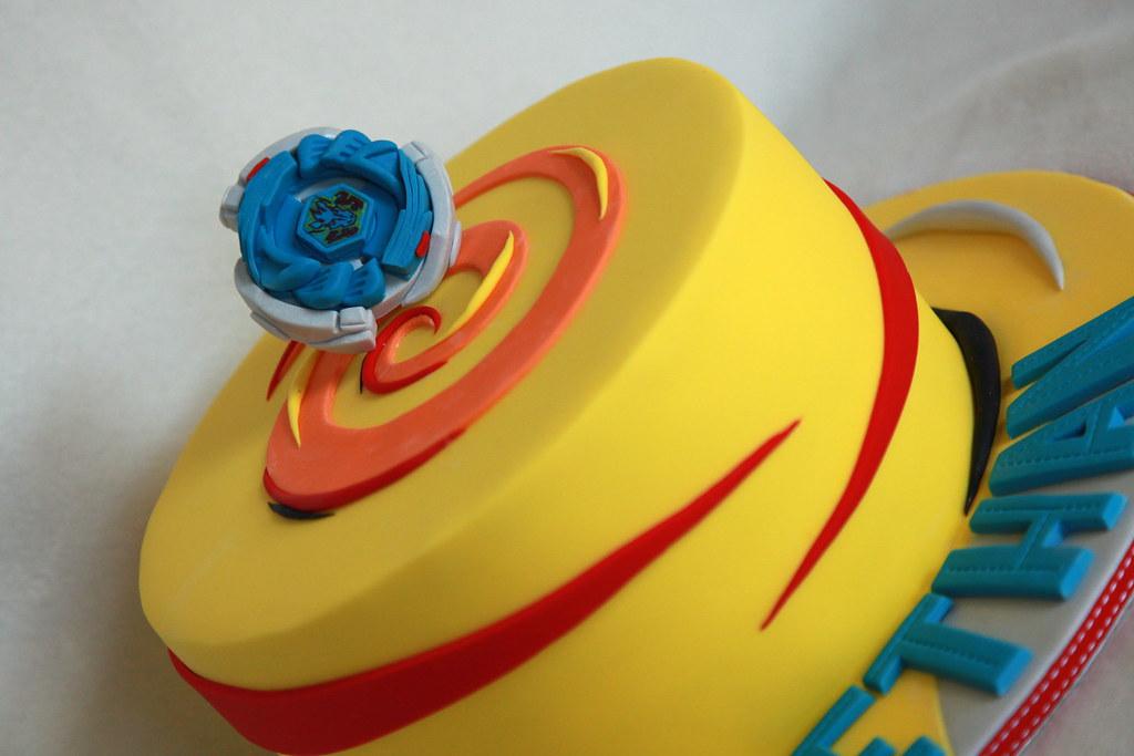 Storm pegasus beyblade cake minerva reyes flickr for Anime beyblade cake topper decoration set
