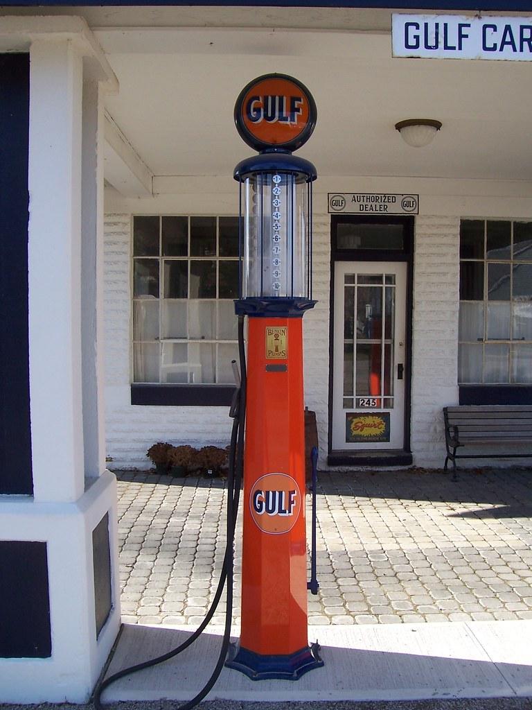 Vintage Gulf Gas Pump #1 | A neat old orange Gulf gas pump ...