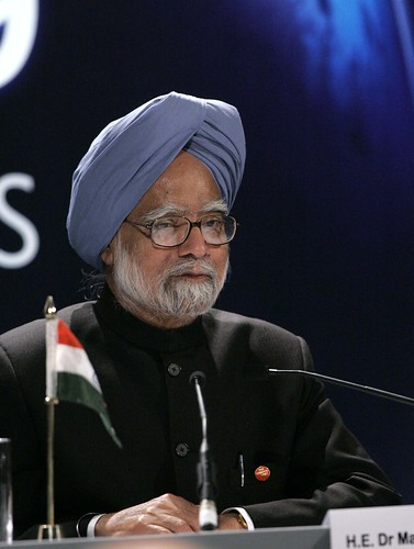Prime Minister of India, Manmohan Singh, addresses the world's media | by London Summit