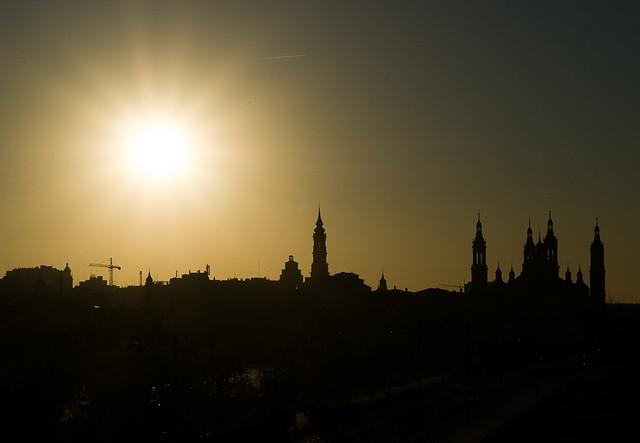 El Sol sobre Zaragoza / The Sun over Zaragoza