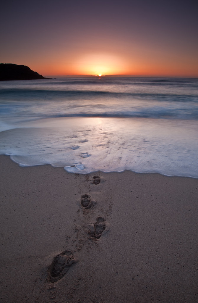 Footprints in the sand at sunset | Dail Mor Beach, Isle Of ...