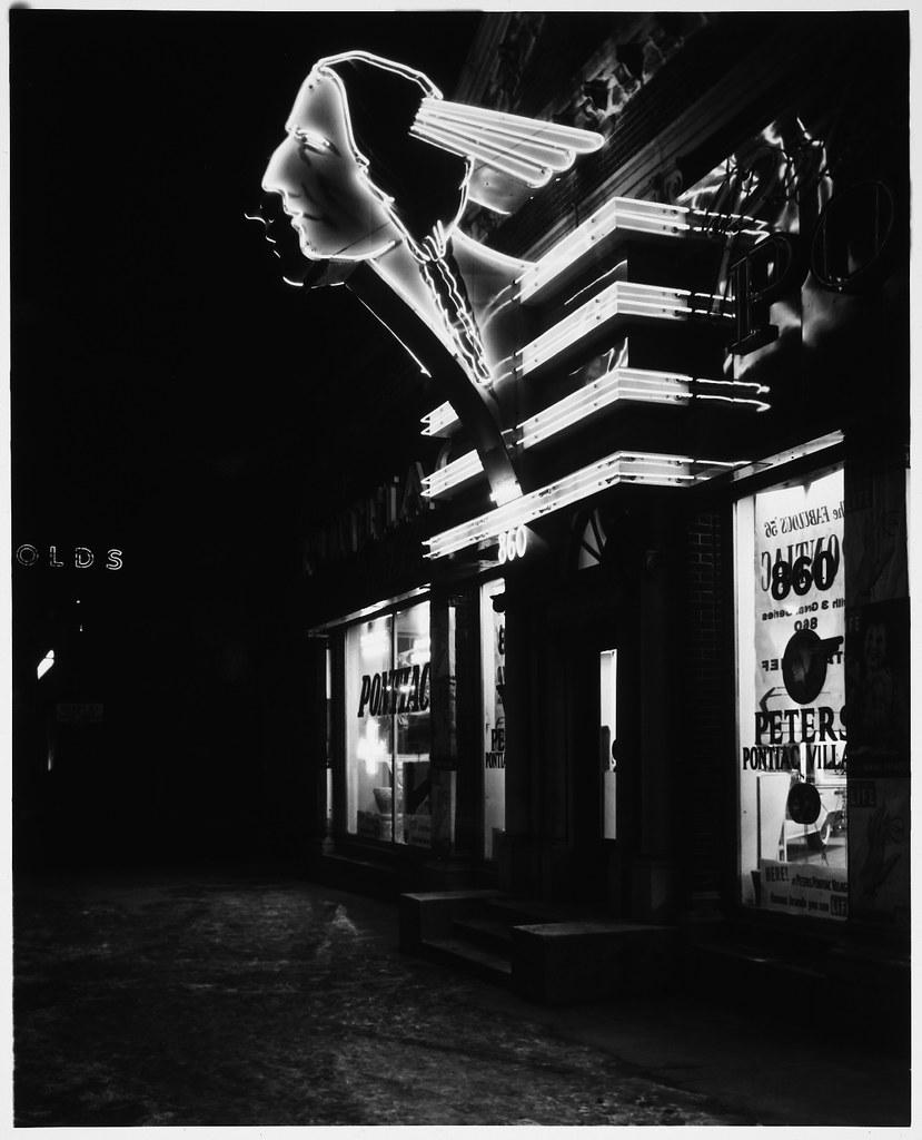 Vintage Pontiac Dealership: Pontiac Dealership, Neo