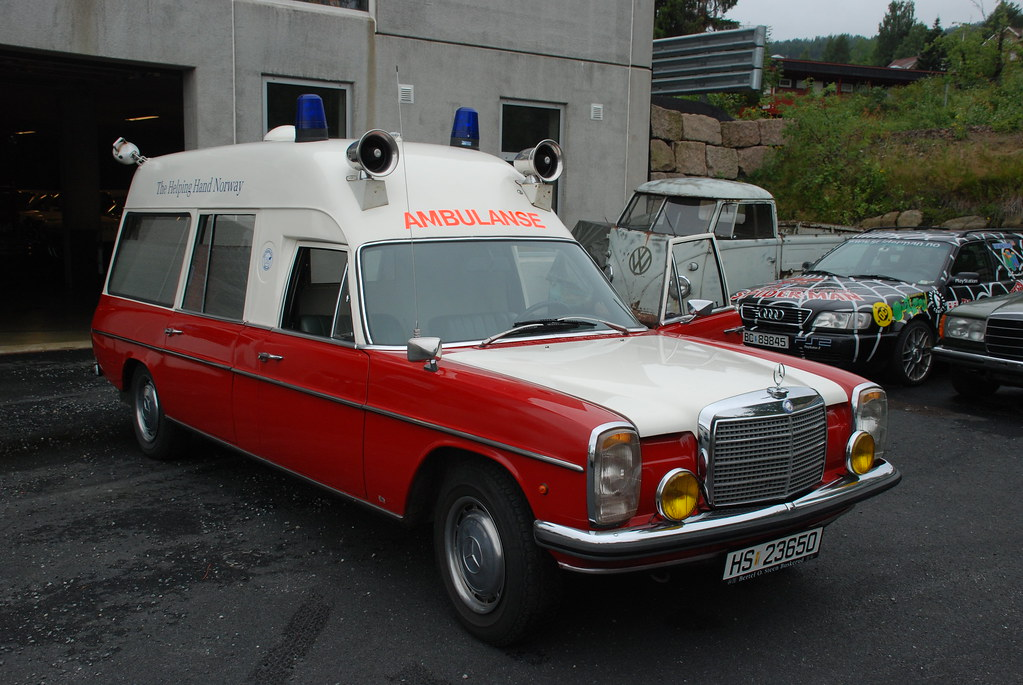 Norwegian Ambulance Old Mb Roar K Flickr