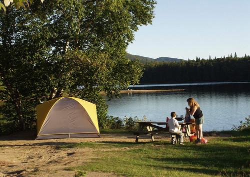 Terrain du camping bacagnole sur le bord du lac monroe for Camping lac du bourget piscine