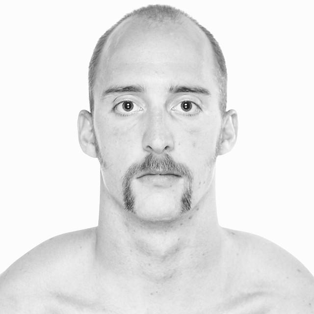 Horseshoe Mustache | Image via Flickr