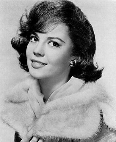 Natalie Wood in Splendor in the Grass (1961)   Splendor in ...  Natalie Wood in...