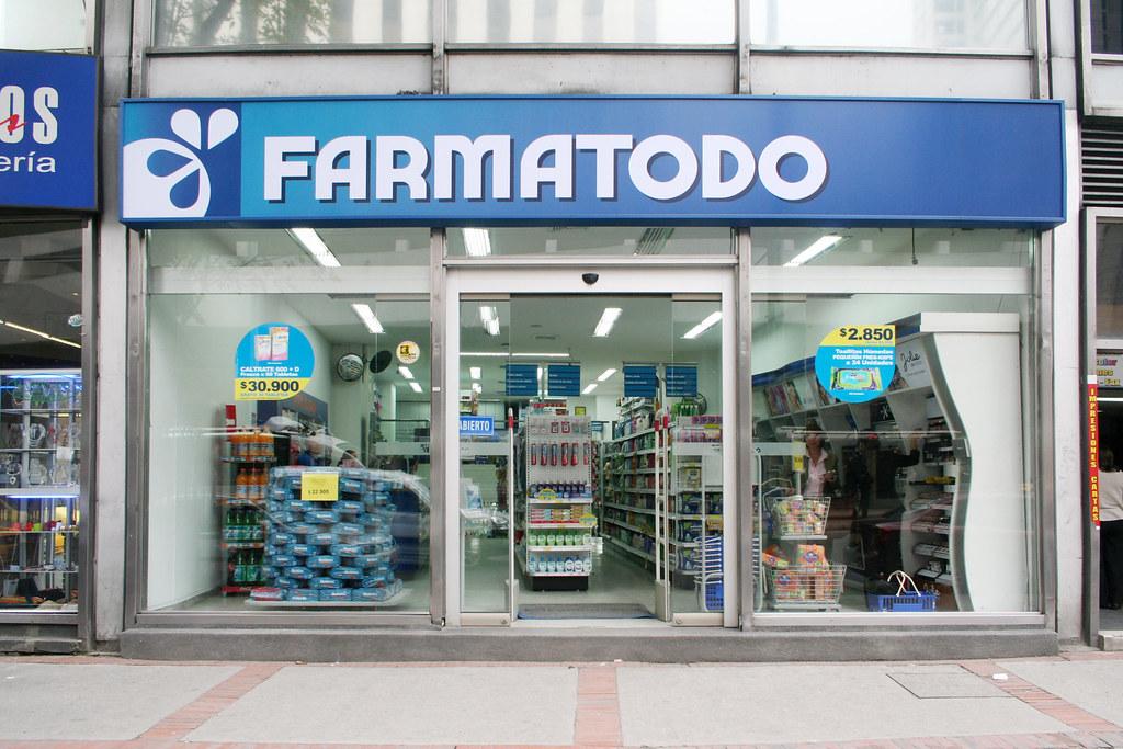 Tienda Centro Internacional De La Cadena Farmatodo En Colo