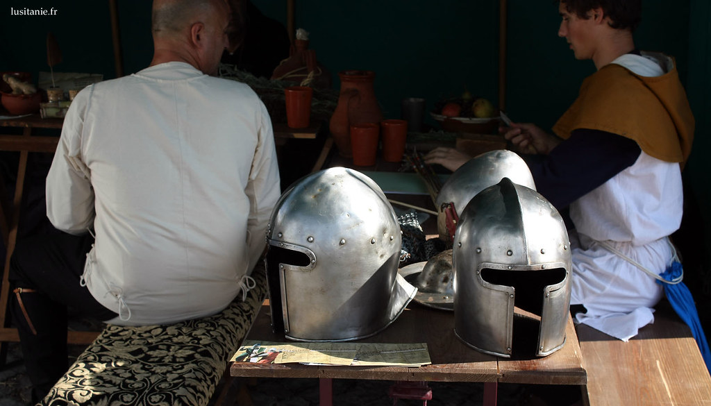 Casques d'armures de chevaliers