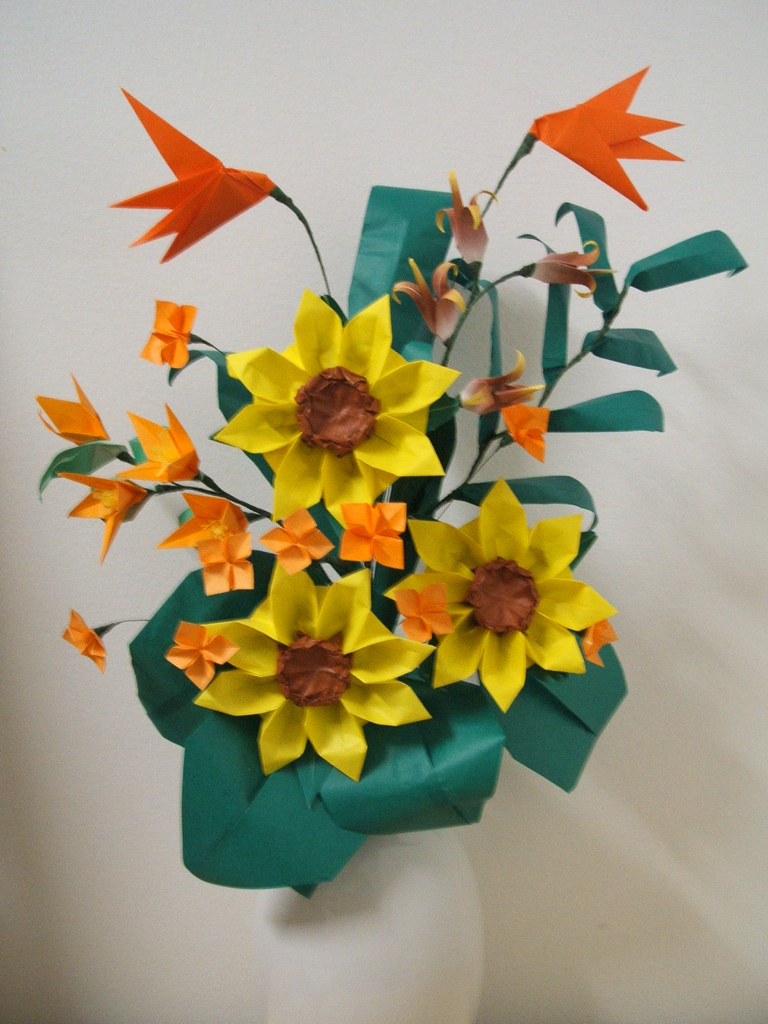 Washinoya Origami Sunflower Arrangement Origami Sunflowe Flickr