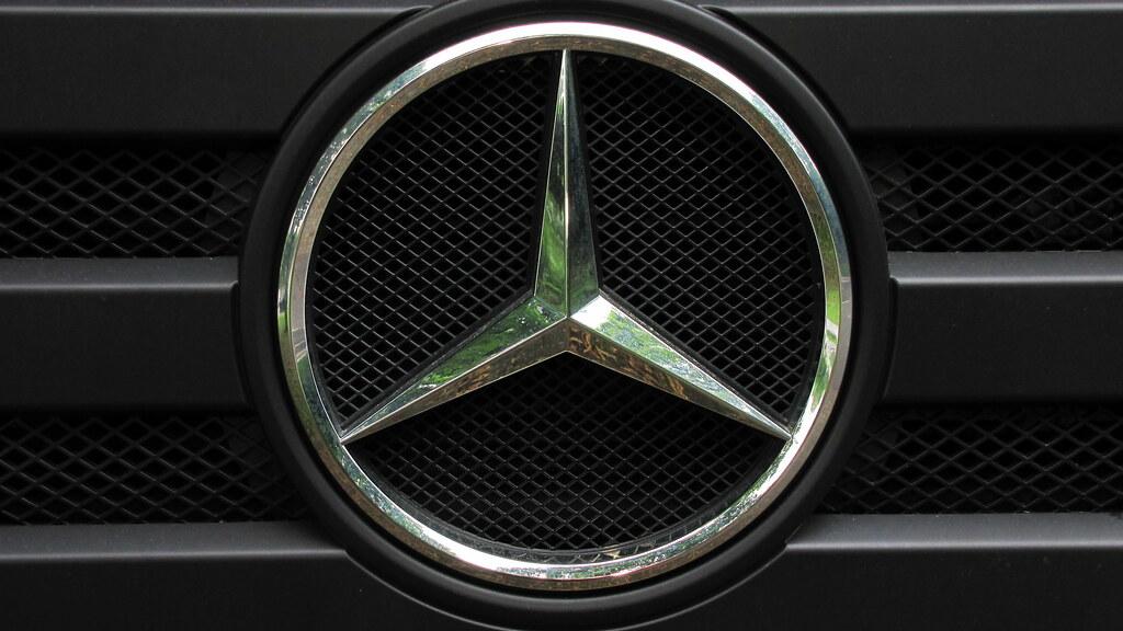 der stern the star of mercedes benz lkw truck logo